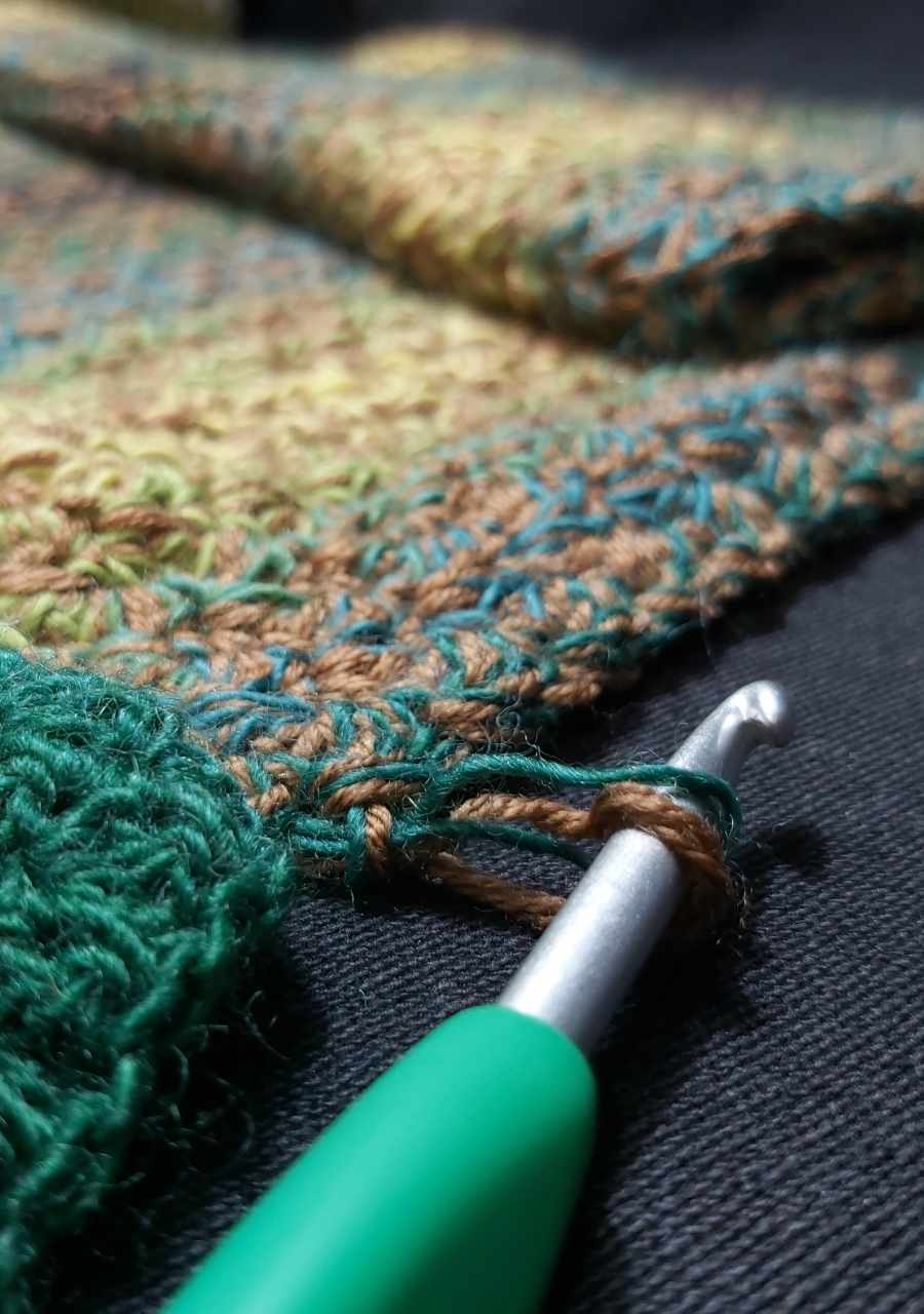 Work in Progress - Marling of 2 yarns to create an interesting color effect